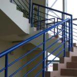 Ограждения лестничных маршей жилого дома
